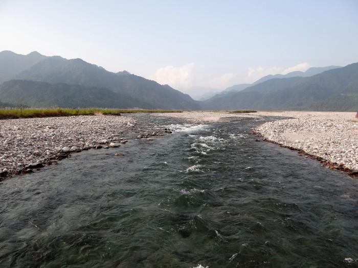 सियांग नदी_परिणीता दांडेकर