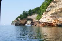 Lake Superior (मिशीगन) च्या किनाऱ्यालगतचा नयनरम्य नजारा