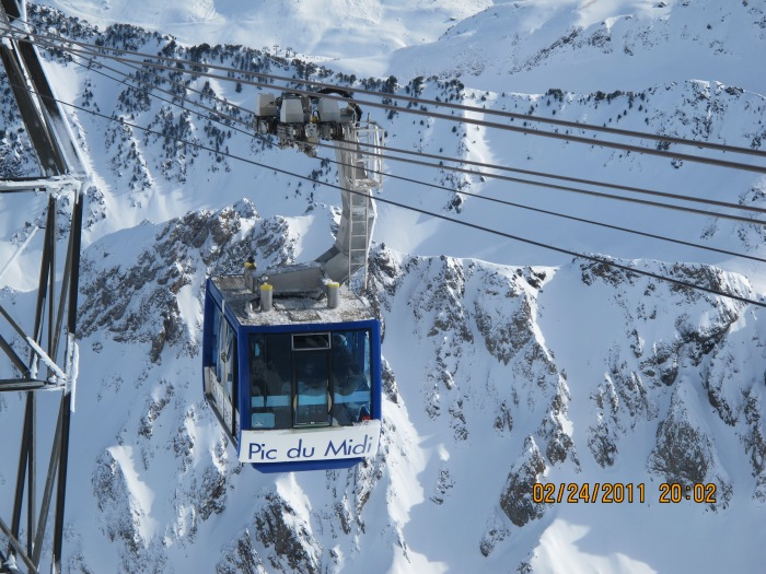 lift to reach ski station from base